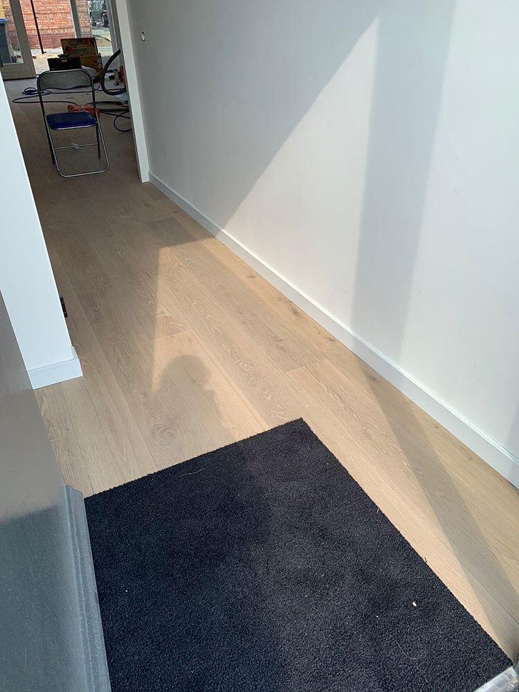 Droogloopmat in de vloer geplaatst