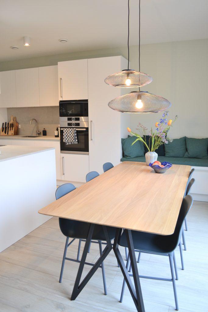 Keuken in het midden van de kamer