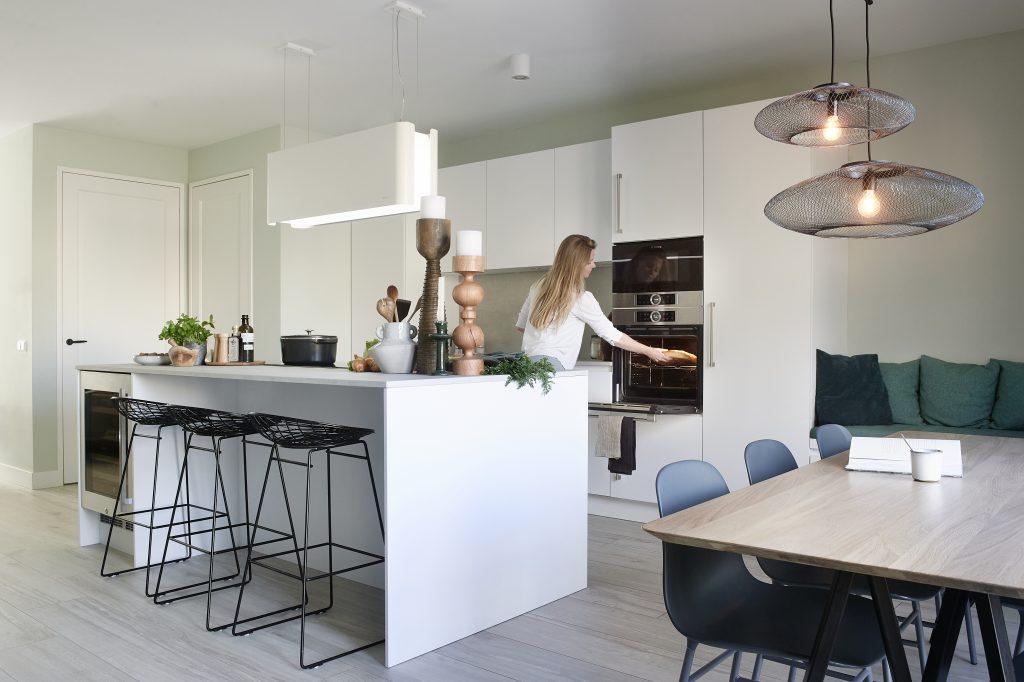 Keuken met kookeiland. Onze keuken in de vtwonen.