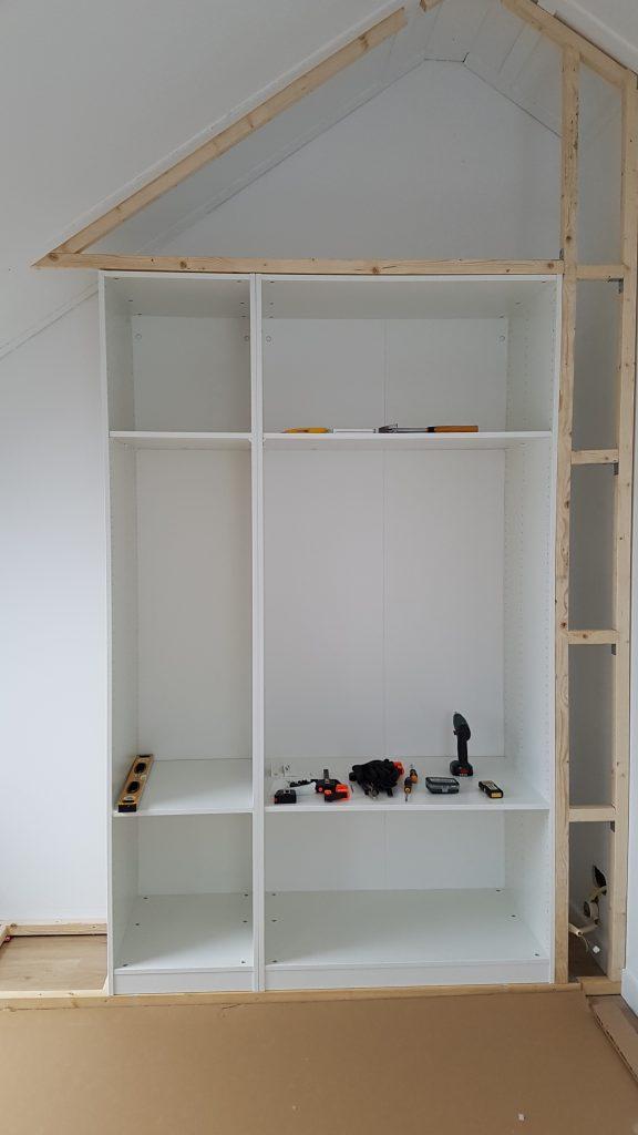 Kastenwand met kasten van Ikea